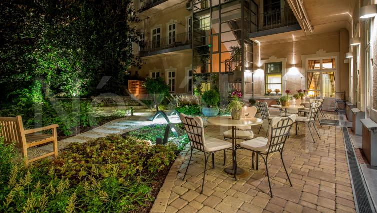 Garden furnishings at the Mamaison Residence Izabella - Citybase Apartments