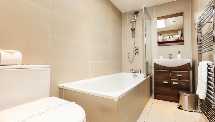 Bathroom space at the Belsize Park Apartments - Citybase Apartments