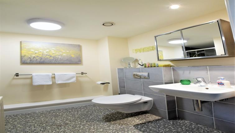 WC at The Canary Apartments - Citybase Apartments