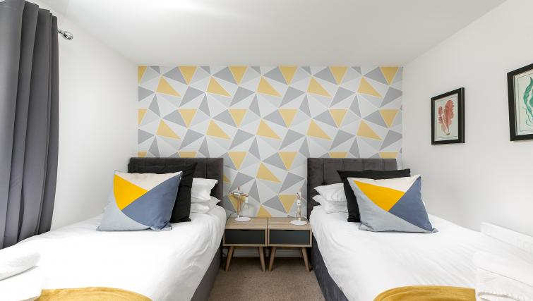 Zip & link beds at Hertford Serviced Apartments - Citybase Apartments