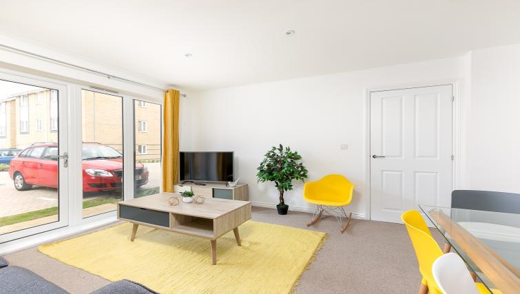 TV at Hertford Serviced Apartments - Citybase Apartments