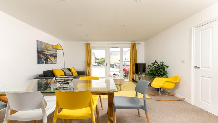 Living/dining area at Hertford Serviced Apartments - Citybase Apartments