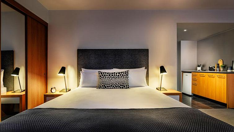 Double bed at Little Bourke Apartments - Citybase Apartments