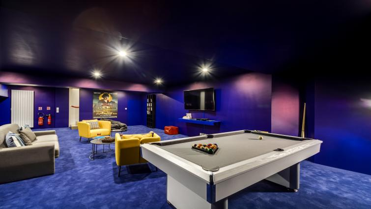 Snooker at the Temple Apartments - Citybase Apartments