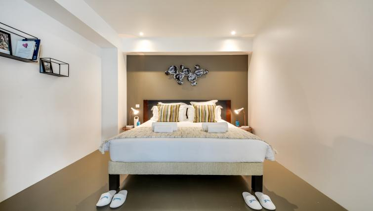 Bed at the Temple Apartments - Citybase Apartments