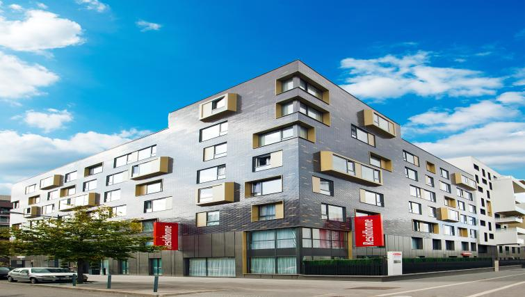Exterior at the Residhome Paris Asnières Park - Citybase Apartments