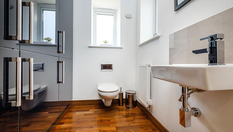 Toilet at Grand Central Duplex Apartment - Citybase Apartments