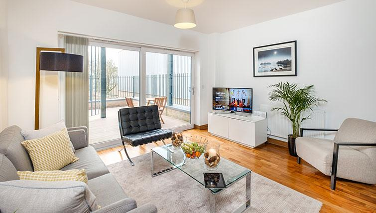 Lounge at the Flamsteed Duplex Apartment - Citybase Apartments