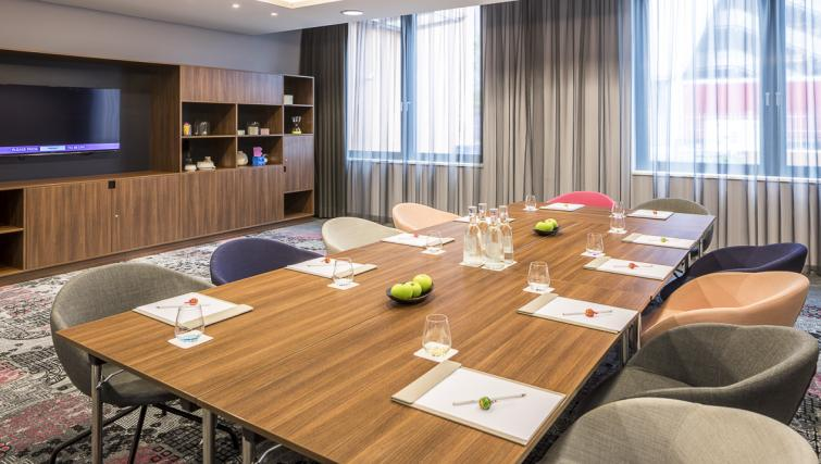 Meeting room at Europa-Allee Apartments - Citybase Apartments