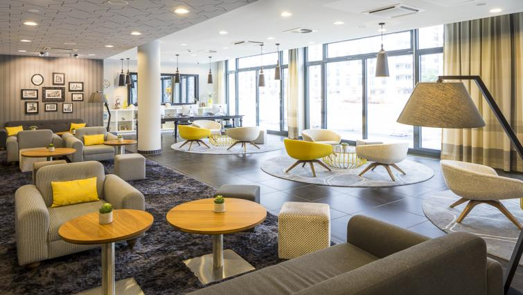 Communal lounge area at Europa-Allee Apartments - Citybase Apartments