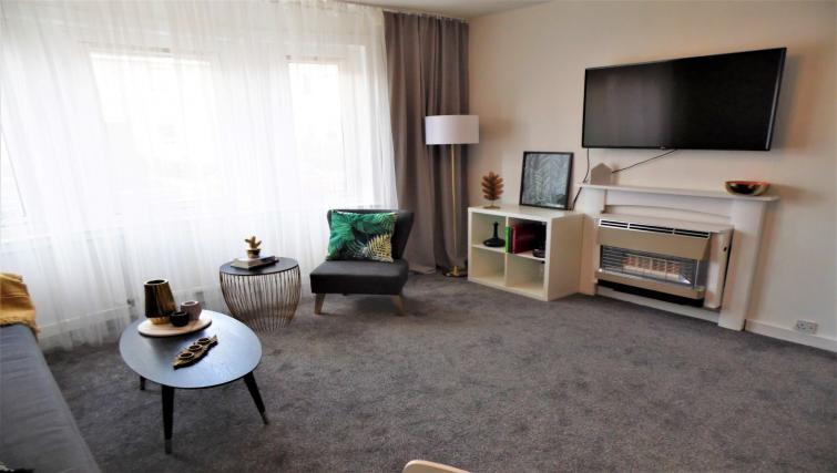 Living room at Fitzalan View Apartment - Citybase Apartments