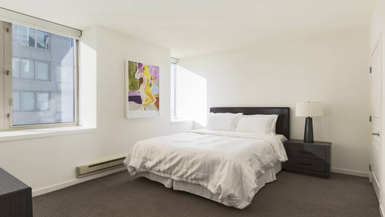 Bedroom at the Geary Courtyard Apartments - Citybase Apartments