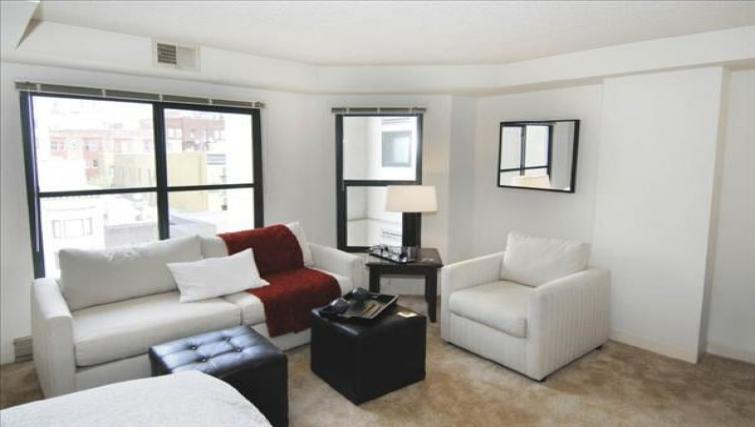 Living room at the Geary Courtyard Apartments - Citybase Apartments
