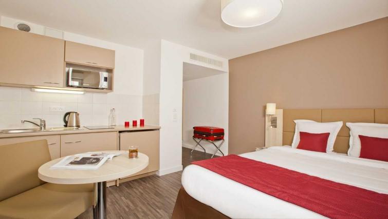 Spacious studio at Residhome Apart Hotel Nanterre La Défense - Citybase Apartments