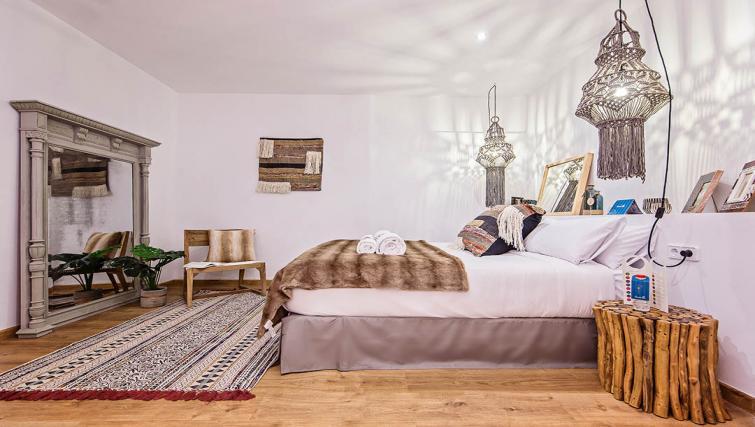 Bedroom at the Tony Apartments - Citybase Apartments