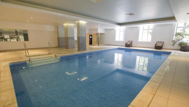 Pool at Broome Park Lodges - Citybase Apartments