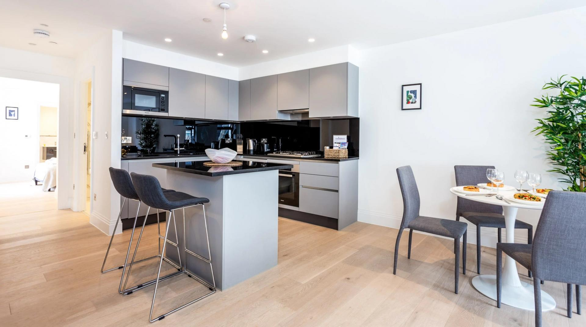 High chairs at Oxford Circus Apartments, Fitzrovia, London - Citybase Apartments