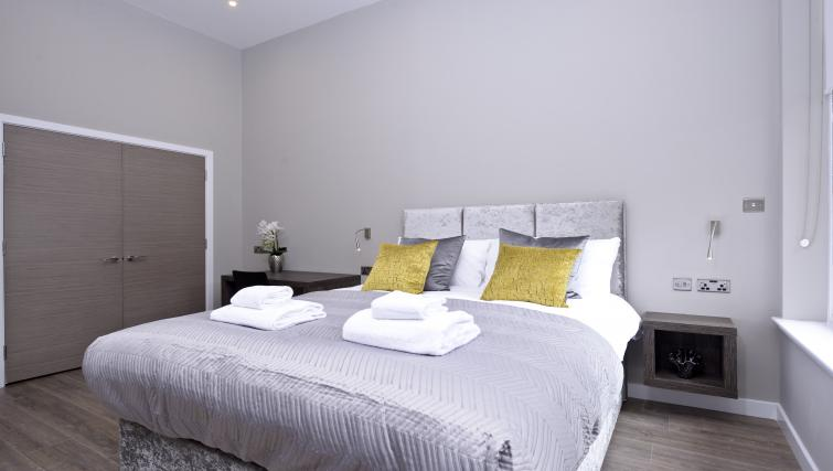 Bed at the Nelson Mandela Place Apartments - Citybase Apartments