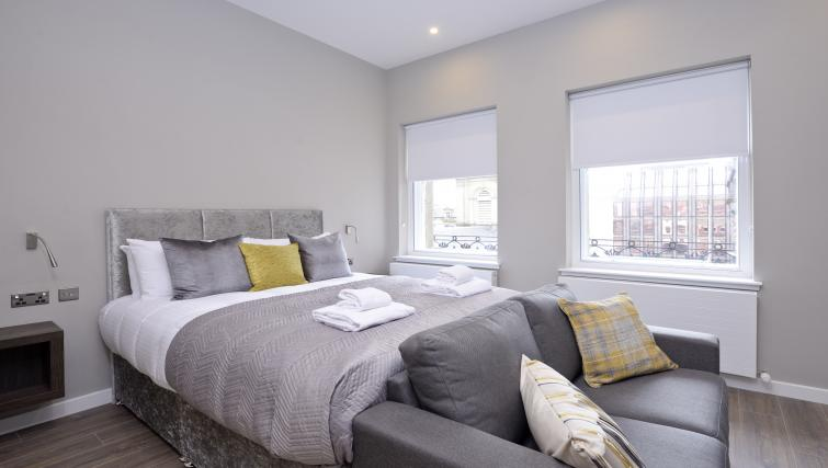 Beds at the Nelson Mandela Place Apartments - Citybase Apartments