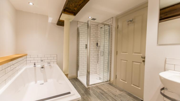 Bathroom at Clementhorpe Maltings Apartment - Citybase Apartments