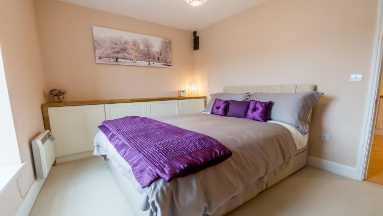 Doouble bed at Woodsmill Quay Apartments - Citybase Apartments