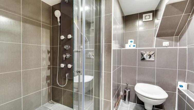 Bathroom at the Aboukir Apartments - Citybase Apartments