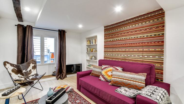 Living room at the Aboukir Apartments - Citybase Apartments