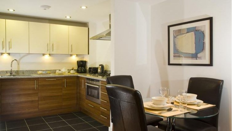 Cutting edge kitchen in Oakwood Steward Street - Citybase Apartments