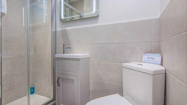 Toilet at Priory Road Apartment - Citybase Apartments