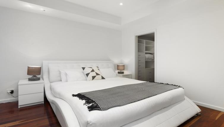 Double bed at Flinders Wharf Apartments - Citybase Apartments