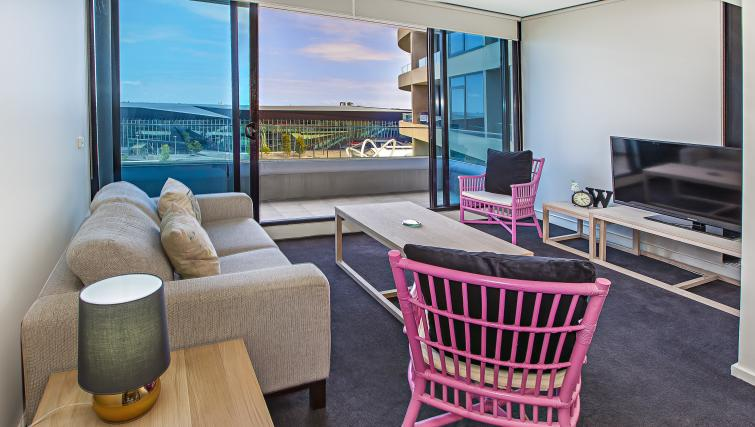 Views at Flinders Wharf Apartments - Citybase Apartments