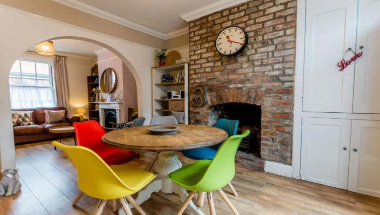 Dining table at Buckingham Street House - Citybase Apartments