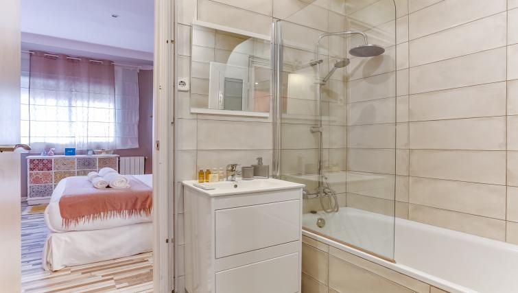 Bathroom at the Saint Gervasi Vacation Apartment - Citybase Apartments
