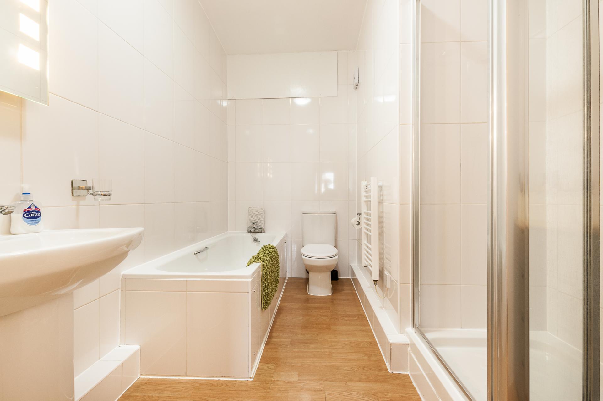 Bathroom at Smythern Street Apartment - Citybase Apartments