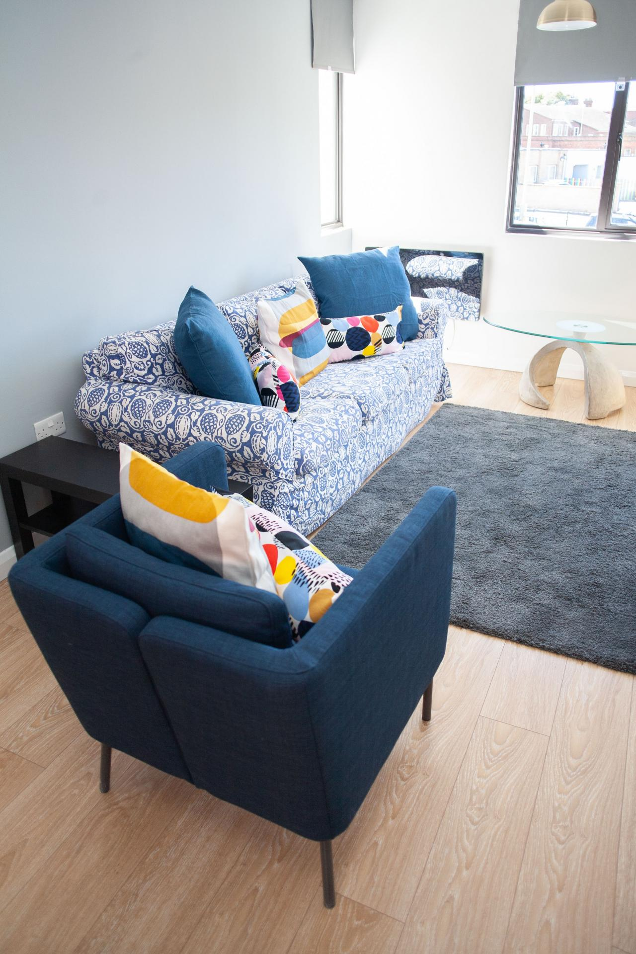 Living area at Quire Court Apartments, Centre, Gloucester - Citybase Apartments