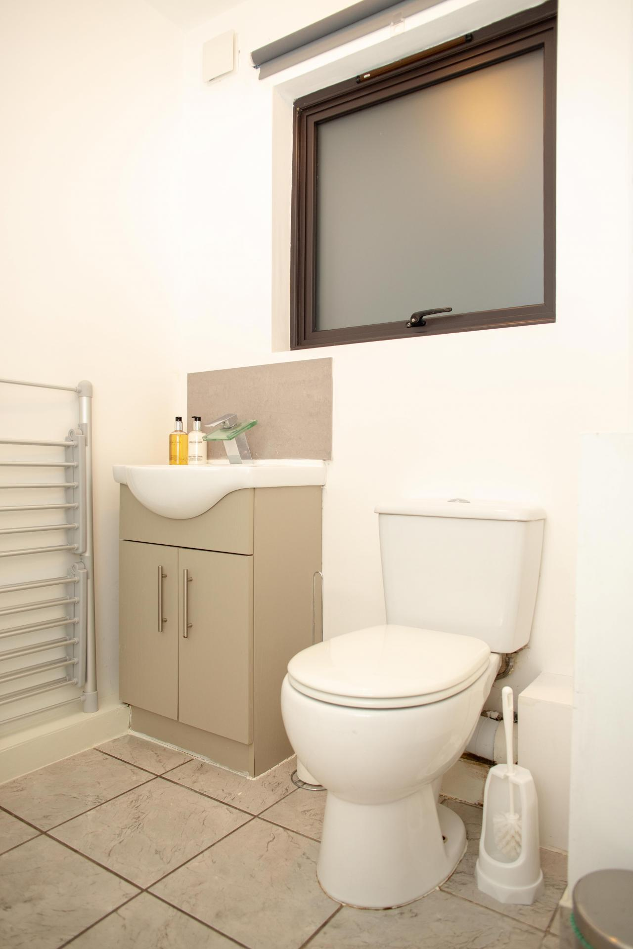 WC at Quire Court Apartments, Centre, Gloucester - Citybase Apartments