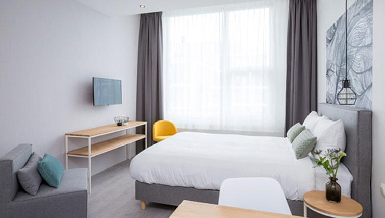 Bedroom at Hotel2Stay Amsterdam Apartments - Citybase Apartments