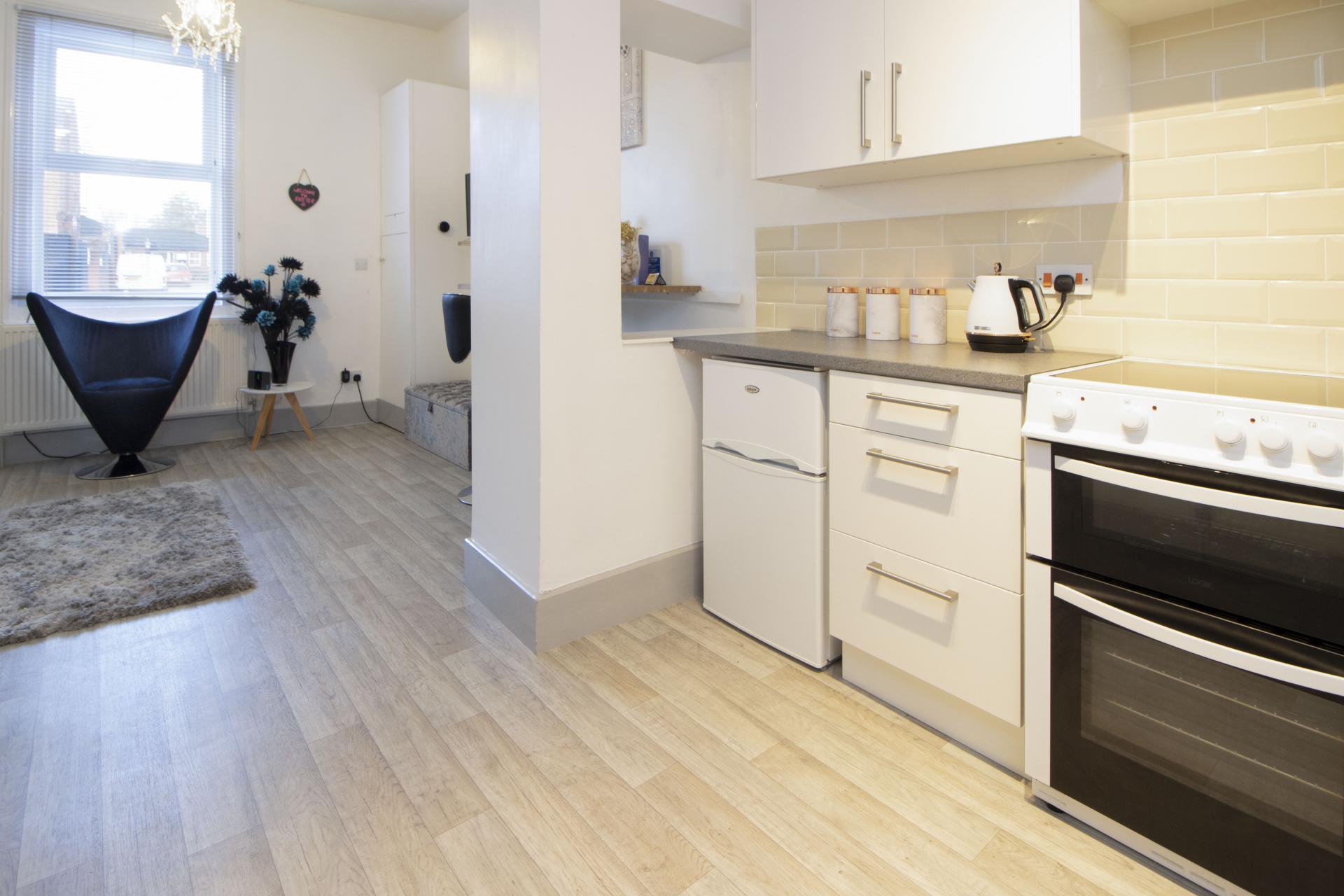 Oven at Kimberley Road Apartment - Citybase Apartments