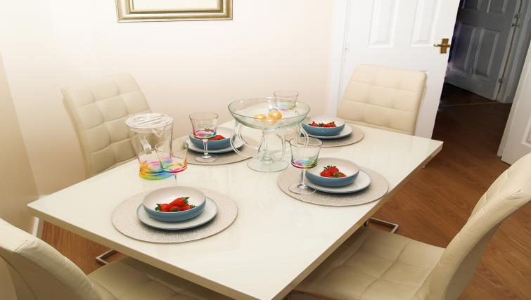 Dining table at HLA King Court Apartment - Citybase Apartments