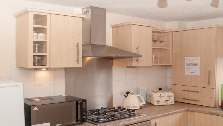 Kitchen facilities at HLA King Court Apartment - Citybase Apartments