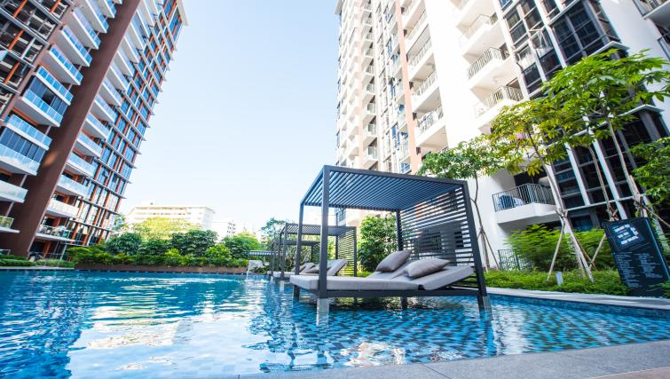 Swimming pool at the Aljunied Apartments, Singapore - Citybase Apartments
