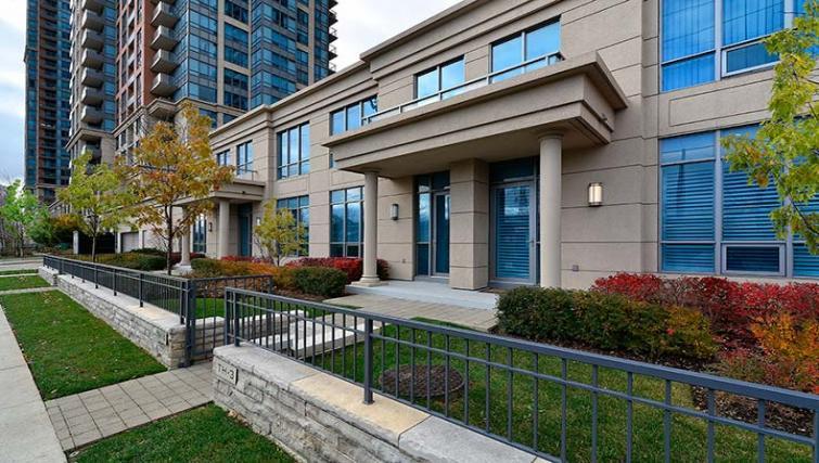 Exterior at Parc Nuvo Apartments - Citybase Apartments