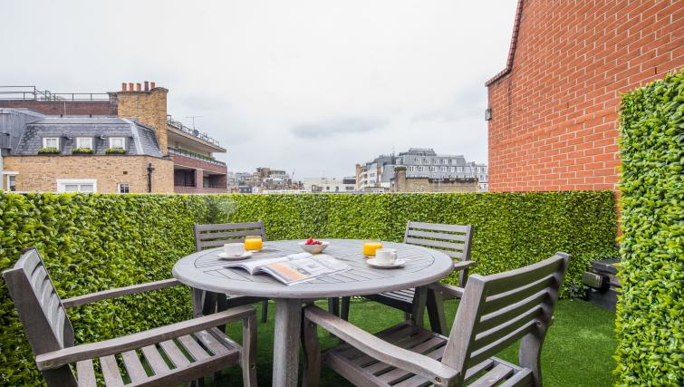 Terrace at the Mayfair Class Apartment - Citybase Apartments
