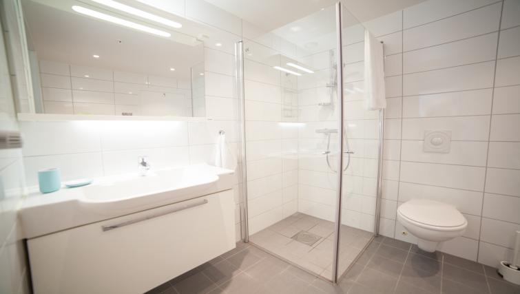 Shower at Damsgård Apartments - Citybase Apartments