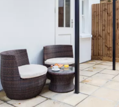 Outside seating at Fitzrovia Apartments - Citybase Apartments