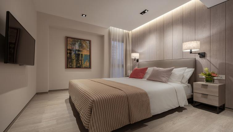 Bed at Le Grove Serviced Residences, Singapore - Citybase Apartments