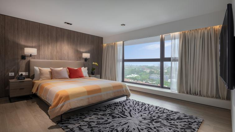 Master bedroom at Le Grove Serviced Residences, Singapore - Citybase Apartments