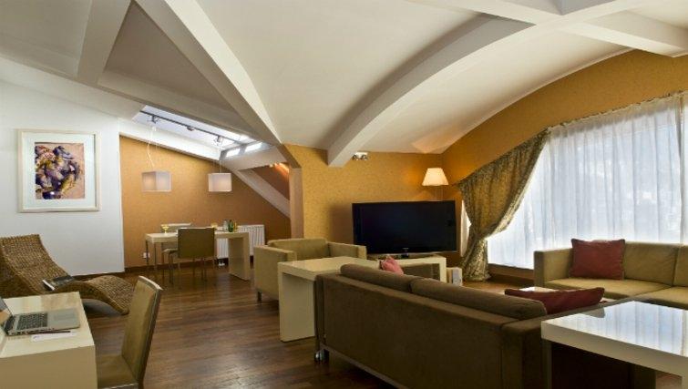 Stylish living area in Mamaison Residence Diana - Citybase Apartments