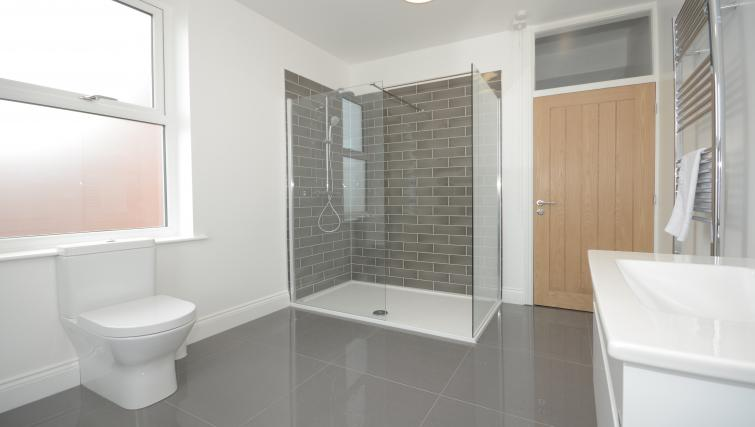 Large bathroom at York Boutique House - Citybase Apartments