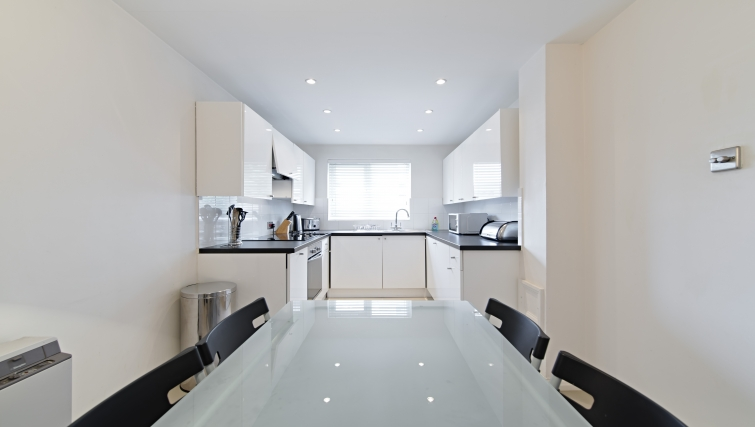 Kitchen at Brooklands Court Apartments - Citybase Apartments